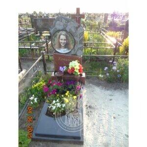 Памятник с гранитный с круглой фотокерамикой установили в г. Борисполь №11