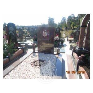 Памятник из красного гранита (Ток) №17