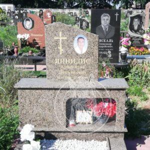 Гранитный памятник на могилу в Греческом стиле