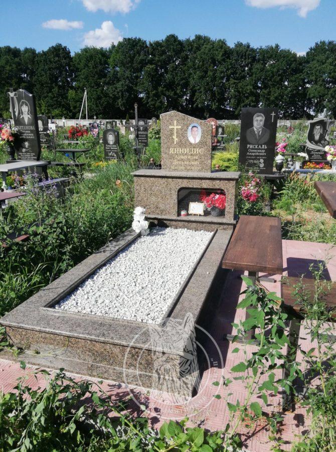 Греческий памятник кладбище Бровары