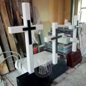 кресты из мрамора
