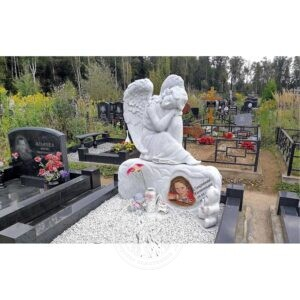 Скульптура  сидящий ангел из мрамора №58