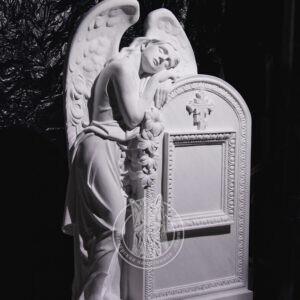 Скорбящий ангел из мрамора № 127 установлен в Луганске