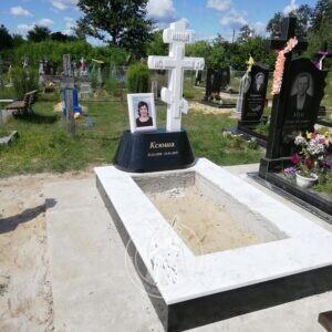 Православный крест из мрамора  в г. Камень- Каширский Волынской области. № 132