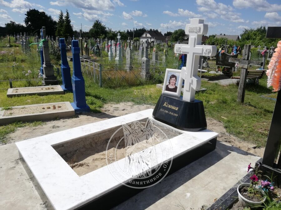 Мраморный православный крест