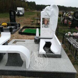 Скорбящий мраморный ангел.Установлен памятник в Киевской обл.г.Ирпень  №148