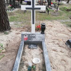 Мраморный крест на могилу