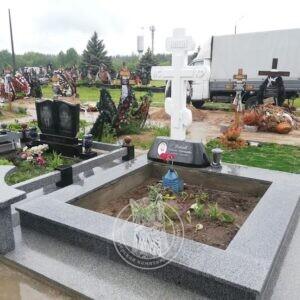 Православный мраморный крест №146 установлен на Южном кладбище г.Киева