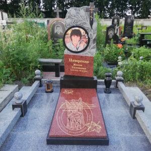 памятник с тюльпанами для женщины