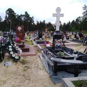 Мраморный православный крест и большим фото №97