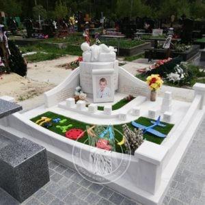 Мраморный памятник с ангелочком №114