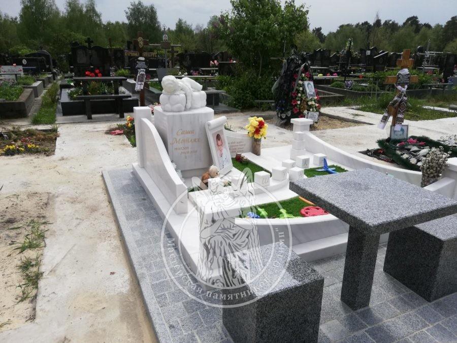 Мраморный Детский памятник с ангелочком