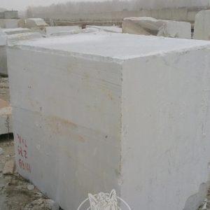 Продаем мраморные блоки белого цвета фото