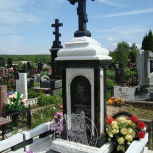 Комбинированный памятник с крестом из гранита и мрамора № 82 Цена: Уточняйте!