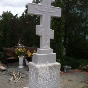 Памятник православный с крестом из мрамора установили в церкви № 76 Цена: Уточняйте!