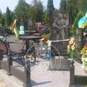 Гранитный памятник бойцу АТО № 10
