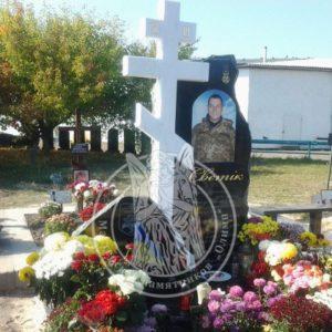 Памятник бойцу АТО с мраморным крестом № 18