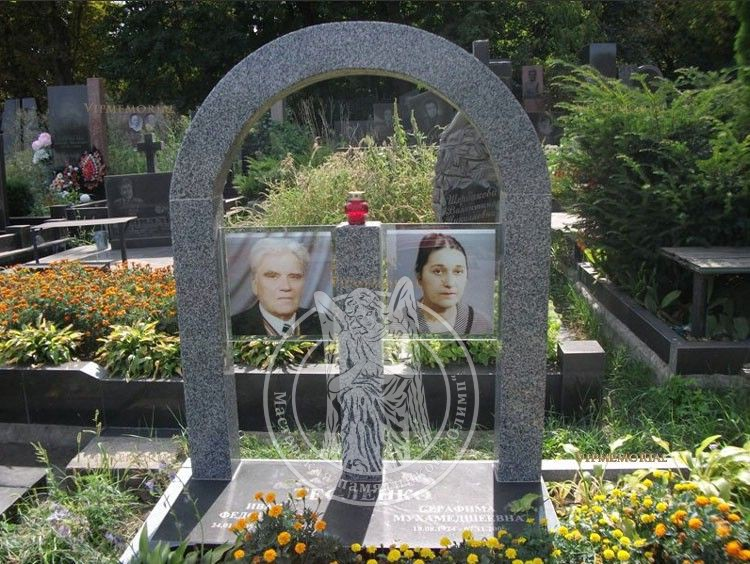 фото на стекле для памятников сергея поспешили