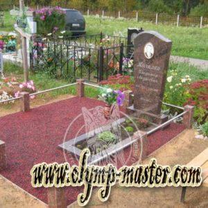 Щебень на кладбище на могилу №7