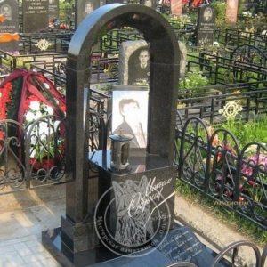 Памятник с фото на керамике и колоннами №9 Цену:Уточняйте!