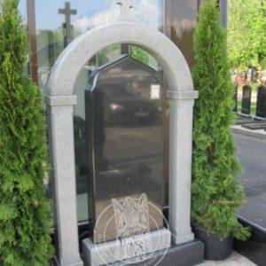 надгробие  из гранита с колоннами №2 Цену:Уточняйте!