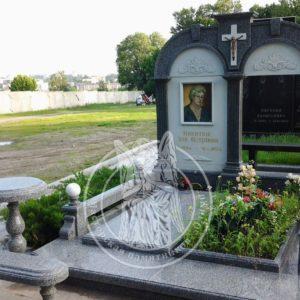 Двойное надгробие сколоннами и мрамором  № 184
