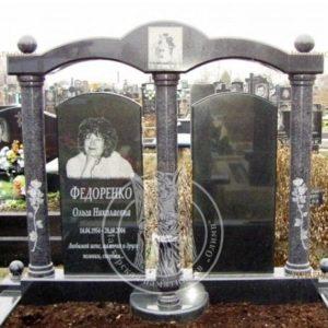 Памятник из гранита и серыми колоннами № 139