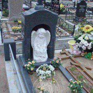 Памятник из гранита с ангелочком из мрамора № 195 Цена: Уточняйте!