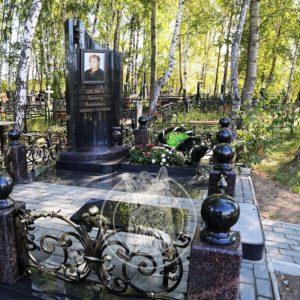 Одинарное надгробие из гранита № 323