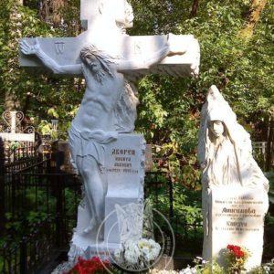Крест из мрамора с Иисусом № 89