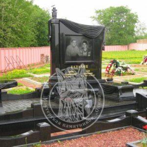 Двойное надгробие из гранита № 33