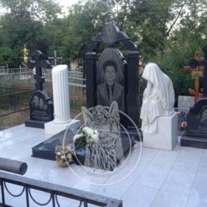 Семейное надгробие со скульптурой № 193