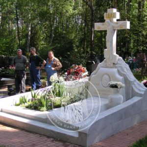 Мраморный крест православный №90