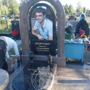 Памятник с колоннами и фотокерамикой №145 на Северном кладбище г.Киева