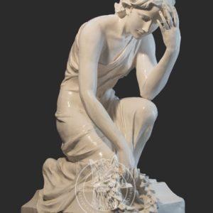 Скульптура  с венком № 12