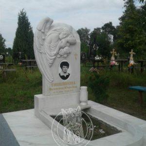 Скорбящий ангел установлен на могилу в Черниговской обл. Козылецкого района село. Моровск. № 70