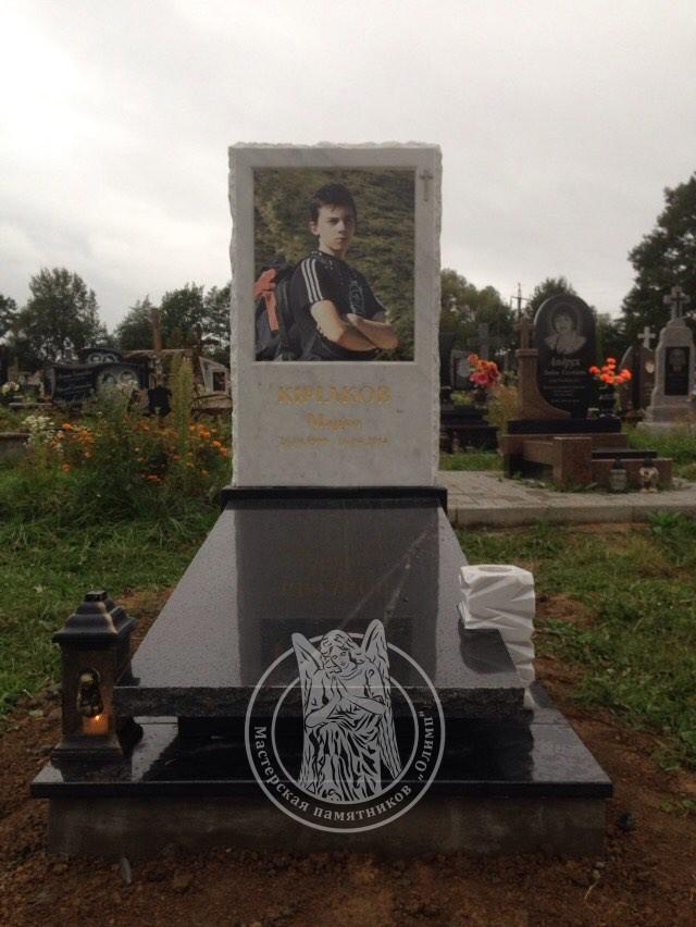 Одинарный памятник Киев