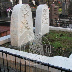 Памятники из мрамора с рельефным рисунком №171