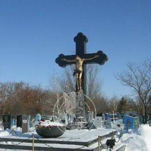 Гранитный крест  с бронзовым распятием №242