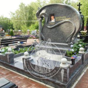 Памятник из гранита  с  фото на керамике и колонной №331