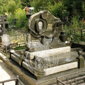 Памятник из зеленого гранита № 333