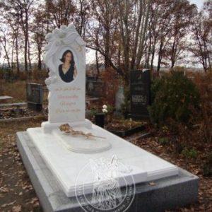 Памятник из мрамора с розами №176
