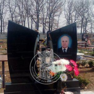 Двойное надгробие из гранита на кладбище в г. Бровары Киевской обл. № 83