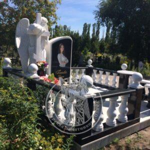 Одинарное надгробие с ангелом №337