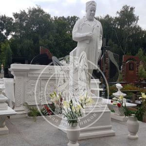 Мраморная скульптура врачу №41