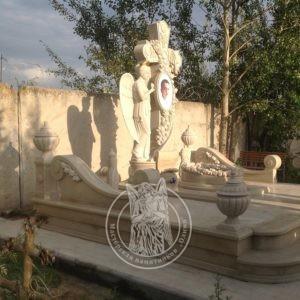 Элитный гранитный памятник с крестом №228