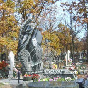 Гранитный ангел с памятником на могилу № 15