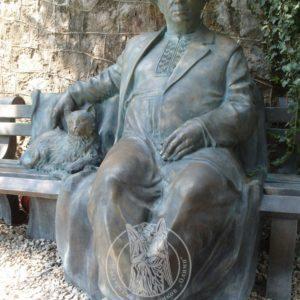 Бронзовая скульптура  № 33