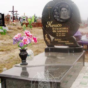 Гранитное надгробие в Итальянском стиле № 11