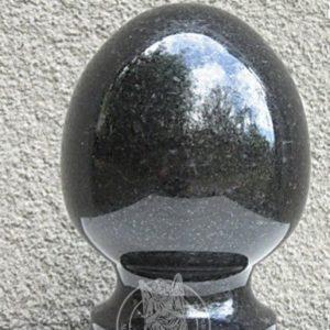Гранитный шар на цоколь № 11
